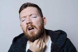喉へのダメージ